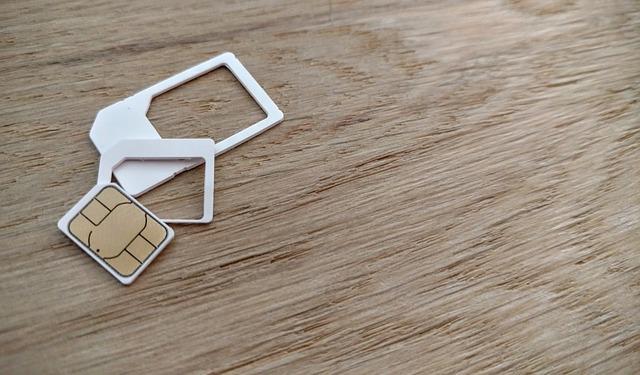 iPhoneのSIMカード